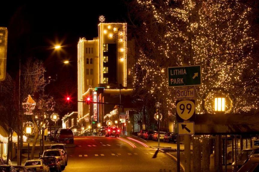 Ashland Christmas Parade 2019.Festival Of Light Celebration Police City Of Ashland Oregon